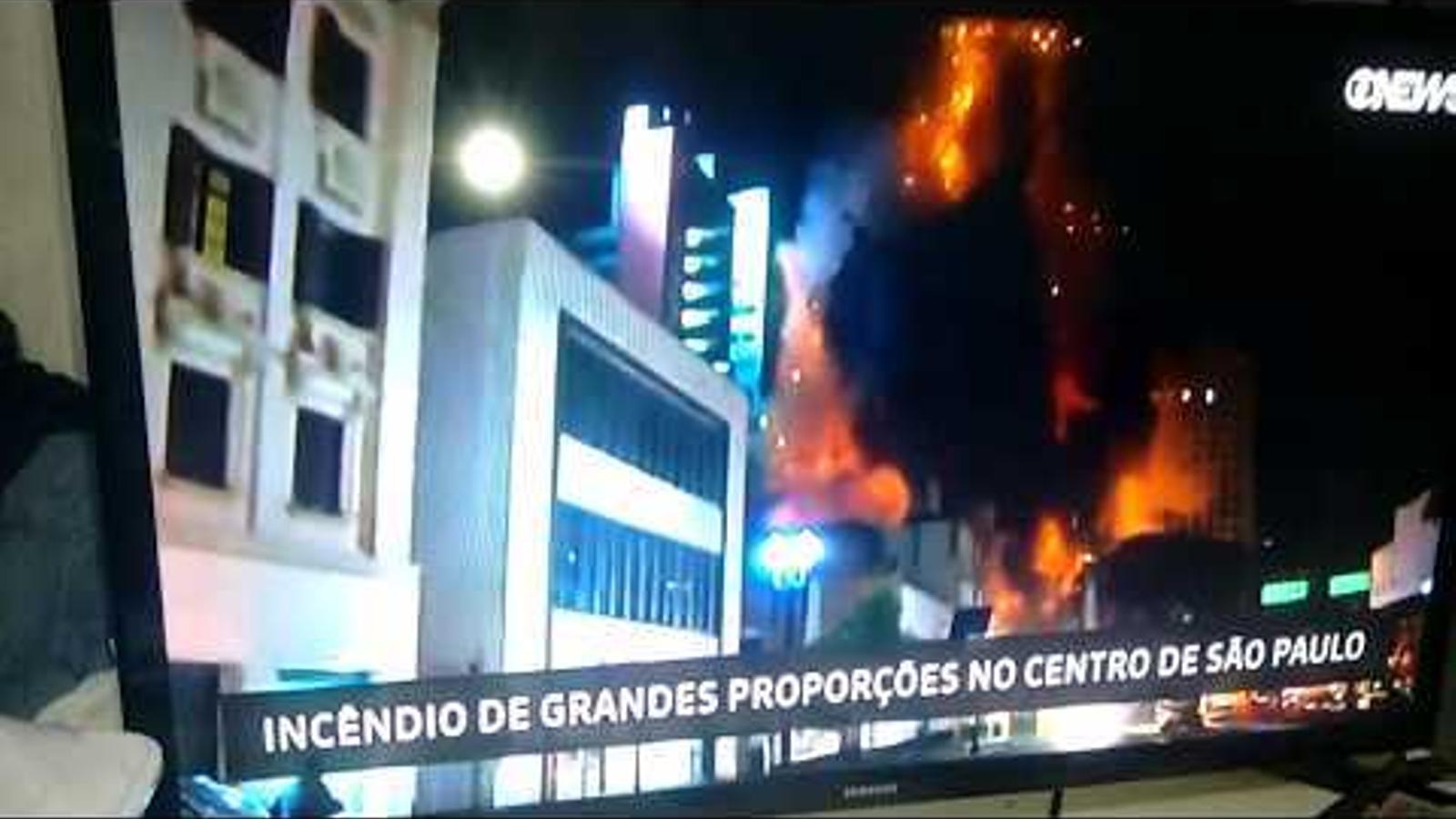 Un gratacel s'esfondra en un incendi a Sao Paolo