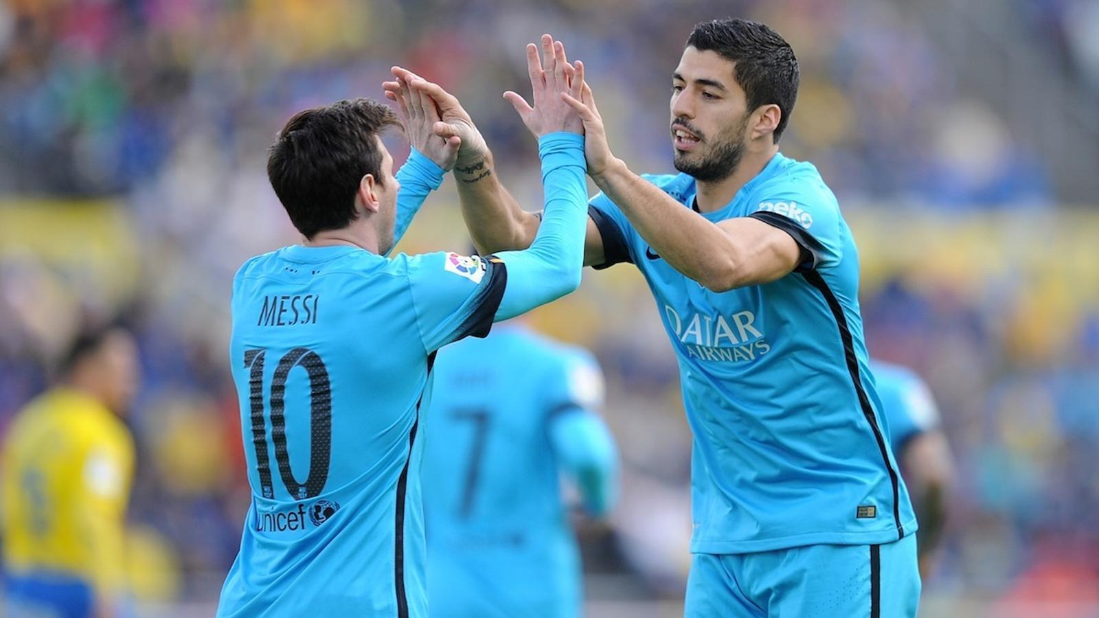 Suárez i Messi celebren el gol de l'uruguaià contra el Las Palmas