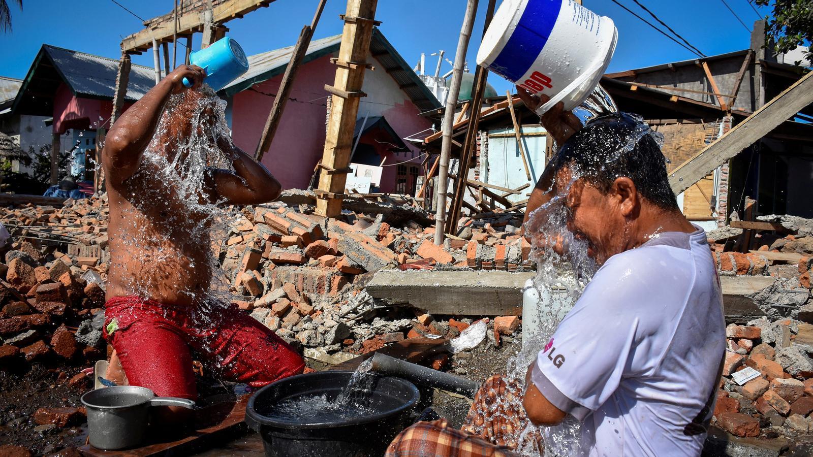 Augmenten a 436 els morts pel terratrèmol a l'illa indonèsia de Lombok