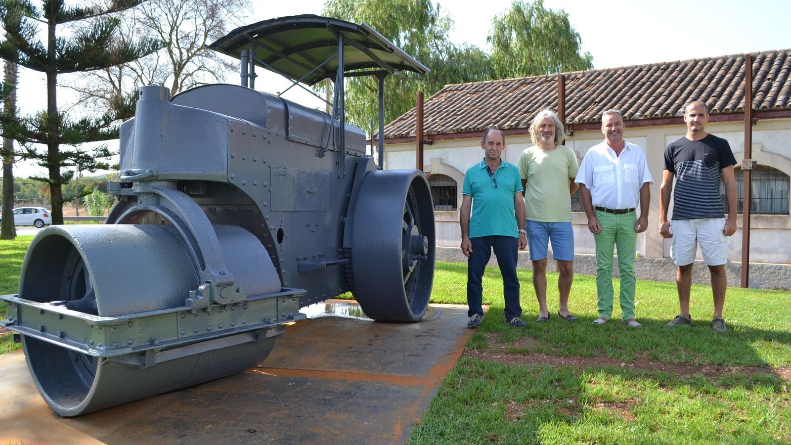 La maquina s'ha instal·lat vora l'antiga caseta d'obres públiques.