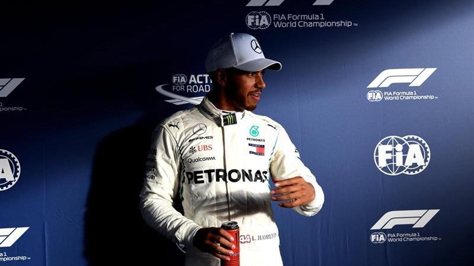 Lewis Hamilton, feliç després de la primera pole