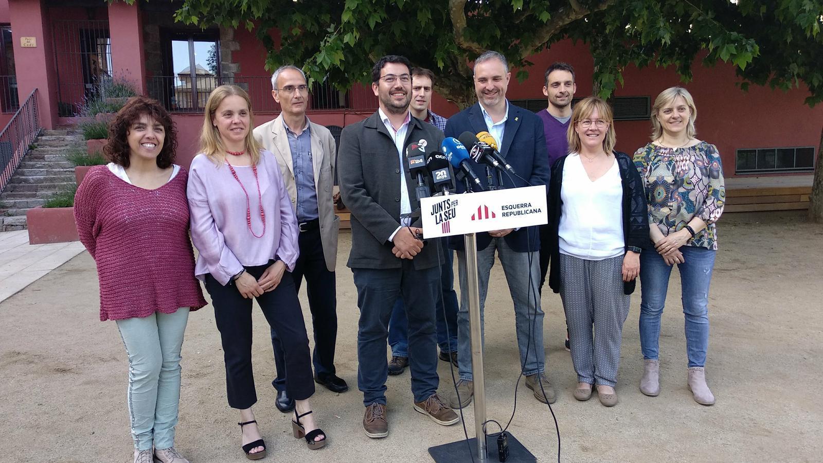 La fotografia conjunta dels representants de Junts i ERC. / ERC