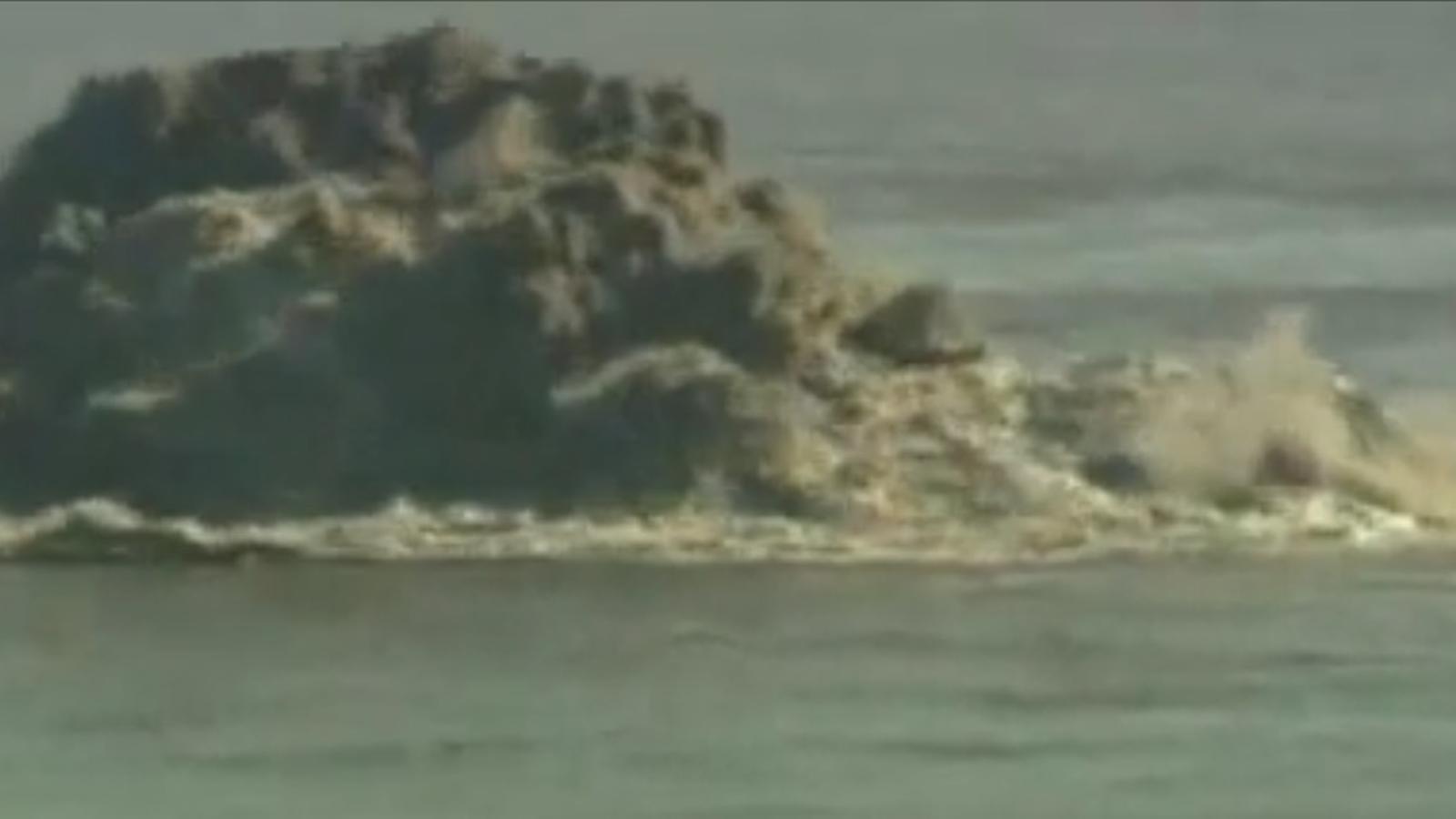 L'erupció submarina a El Hierro torna a sortir a la superfície