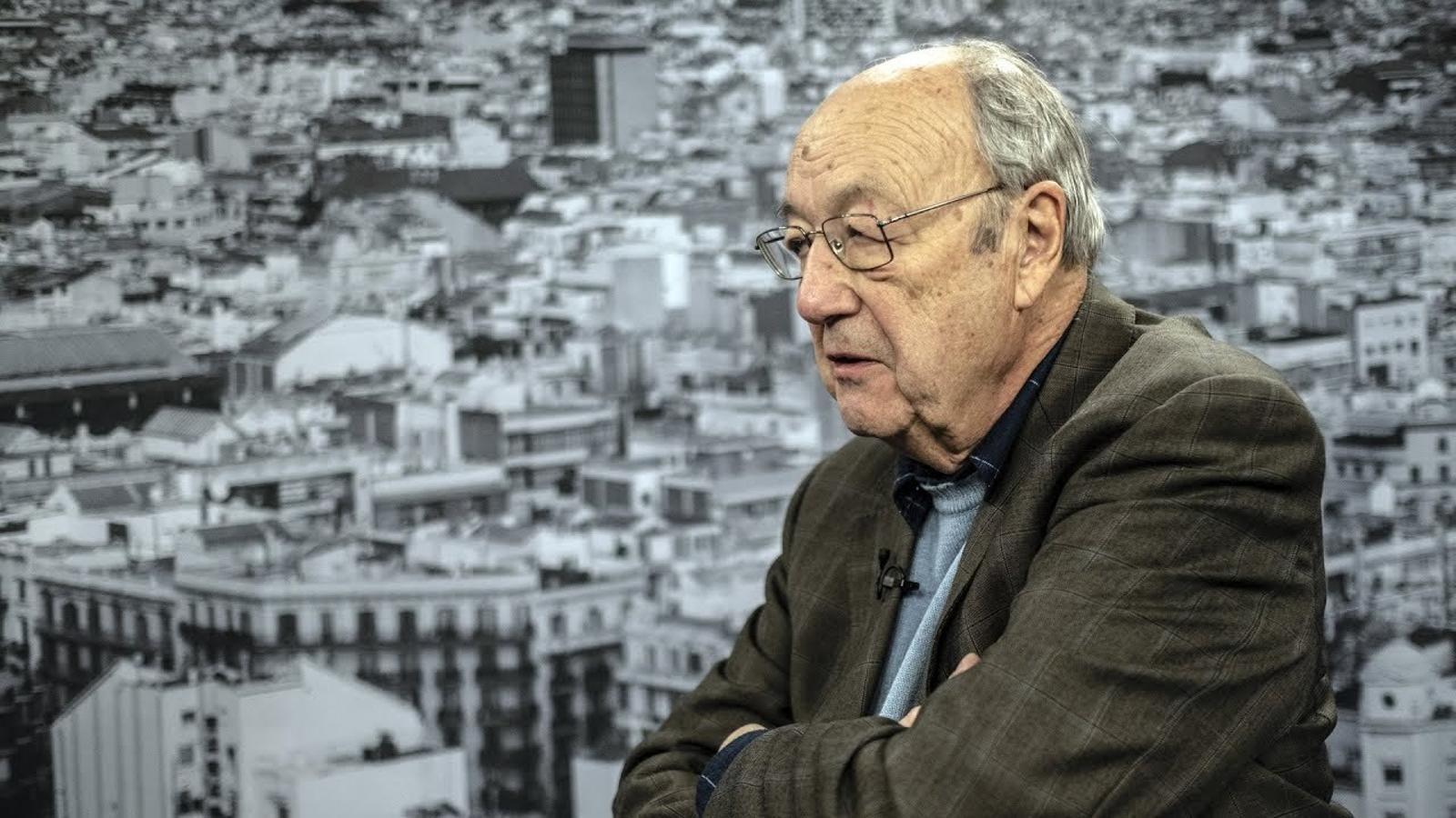 Entrevista d'Antoni Bassas a August Gil Matamala