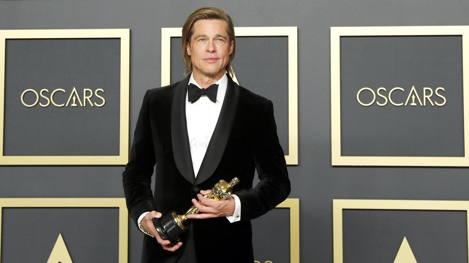 Brad Pitt, amb la seva estatueta