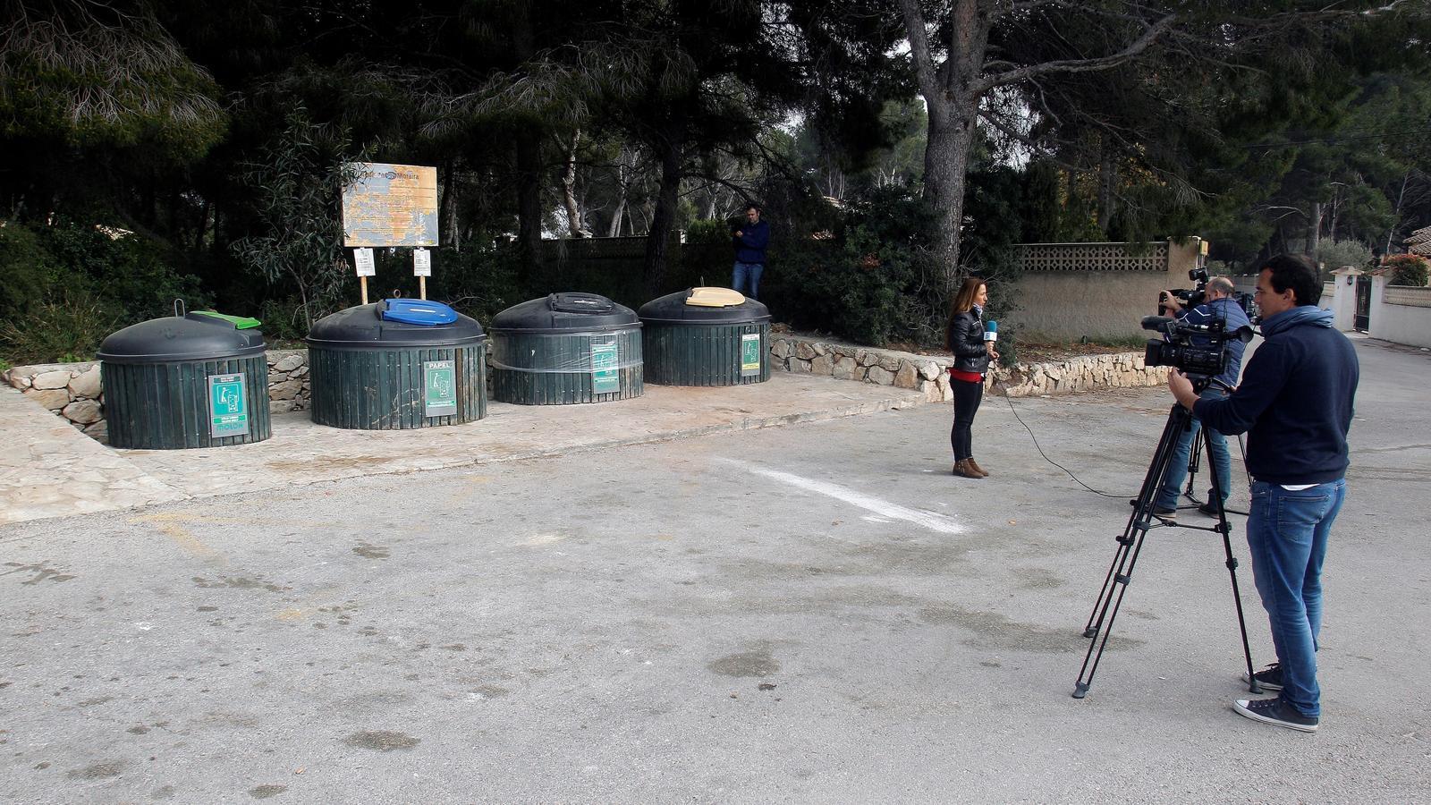 Contenidors on han trobat el cadàver d'una dona a la localitat valenciana de Moraira