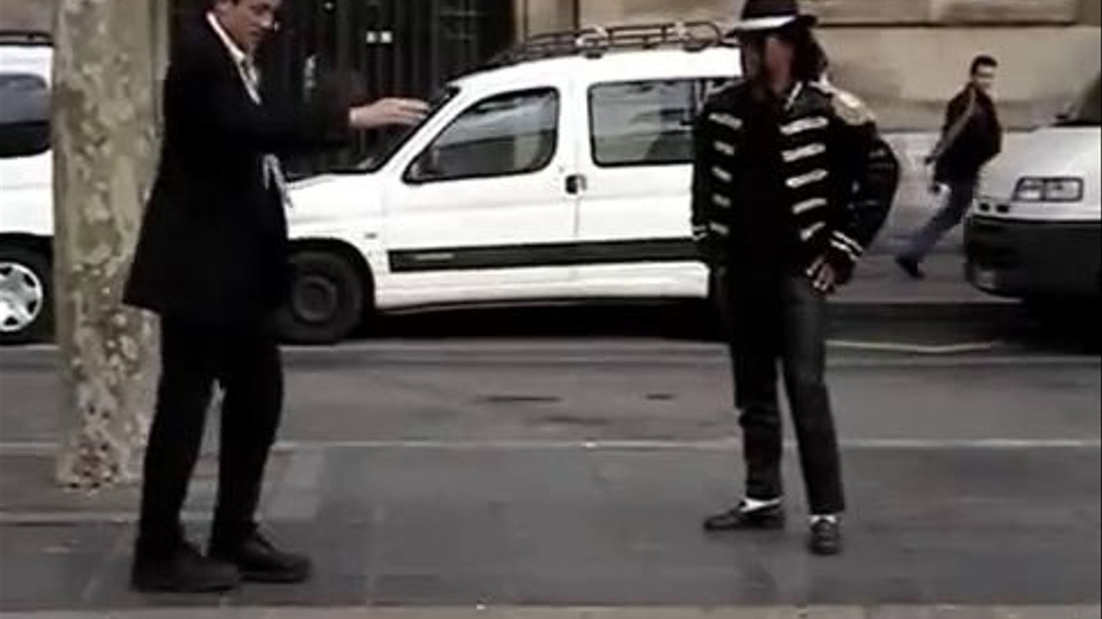 Elder Gus Garcia, el missioner mormó que triomfa a internet imitant Michael Jackson a Barcelona