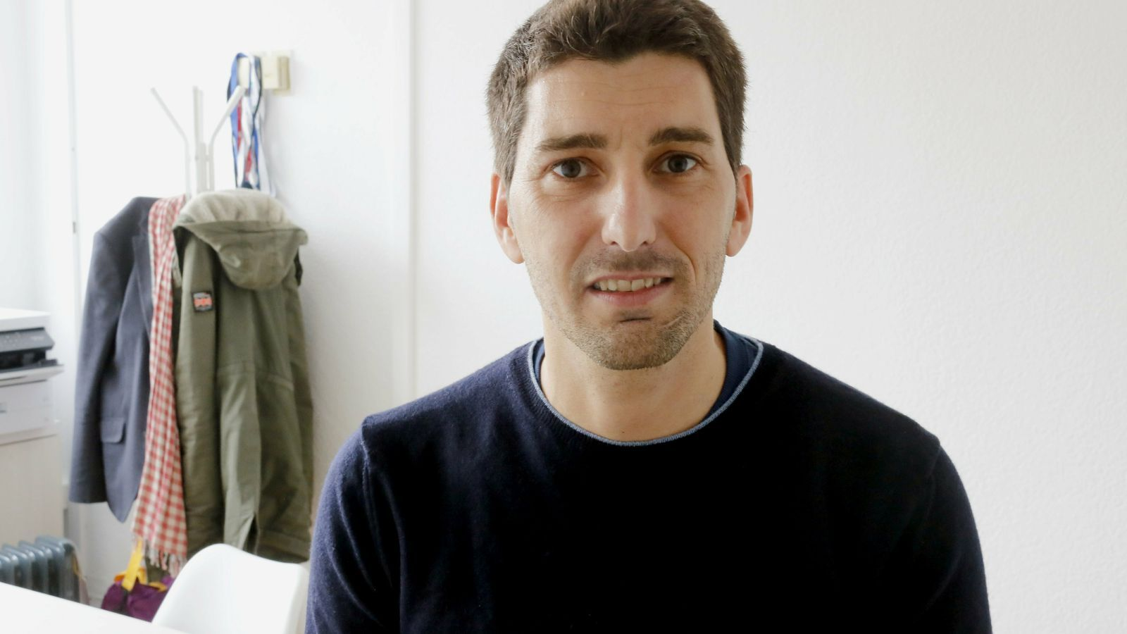 L'infectòleg Oriol Mitjà demana la dimissió del metge que dirigeix la resposta espanyola a la crisi del coronavirus