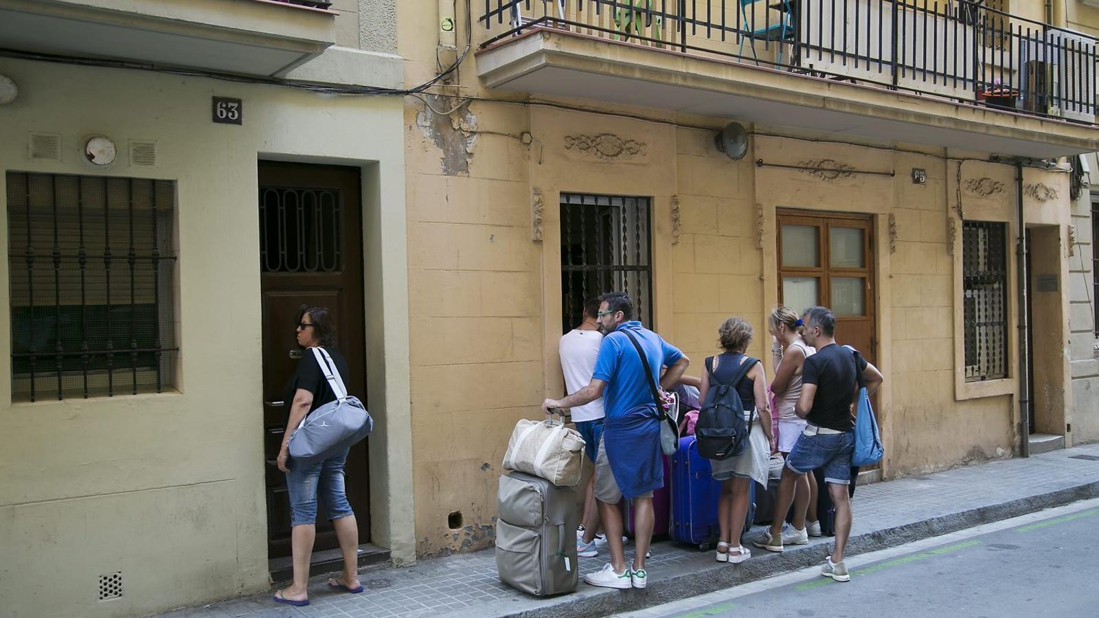 El barri de la Barceloneta va esclatar l'estiu del 2014 amb les molèsties generades pels pisos turístics.