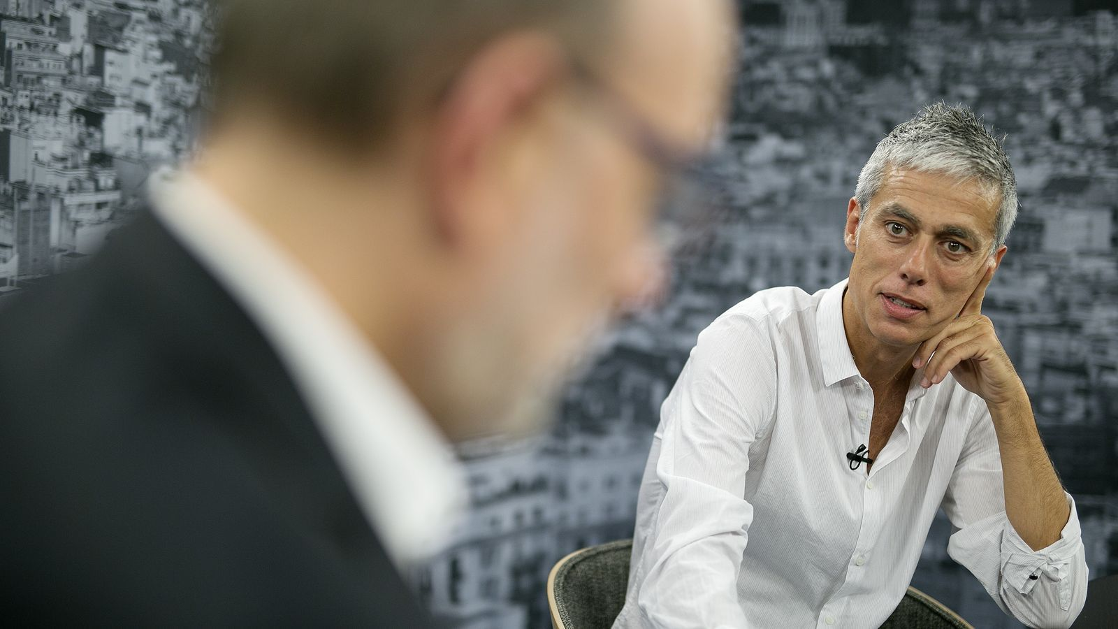 Entrevista d'Antoni Bassas a Albert Om