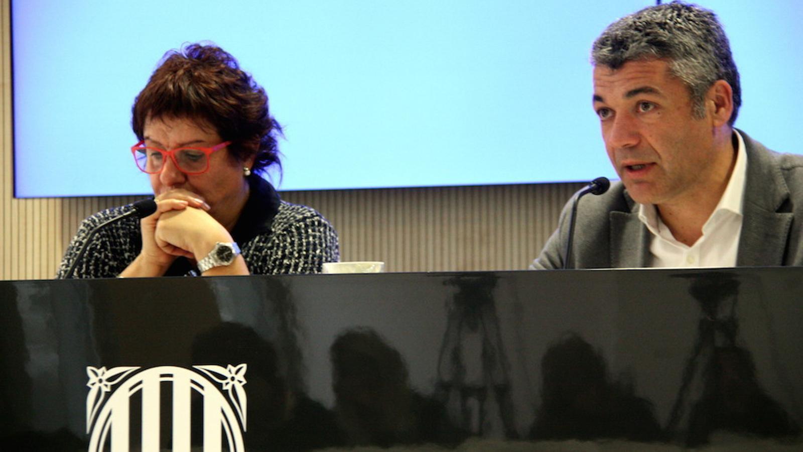 La consellera Dolors Bassa, junt a Oriol Amorós, en una imatge d'arxiu