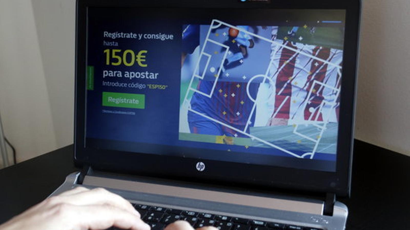 Imatge d'una web que ofereix diners per a apostes