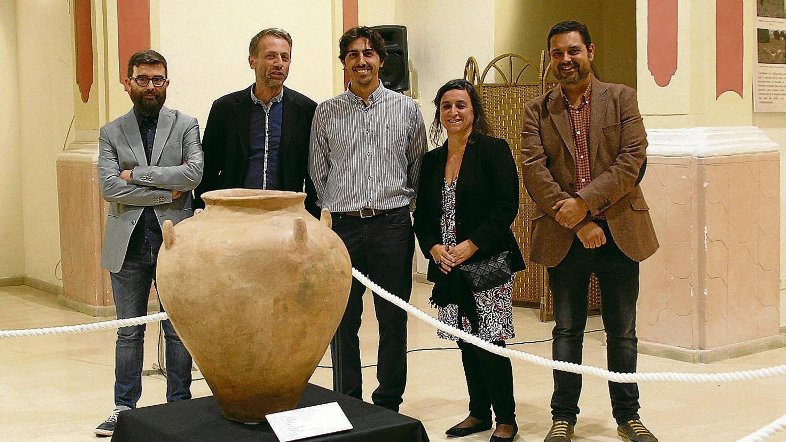 L'exposició sobre els Antigors, inaugurada ahir, estarà oberta durant un mes.