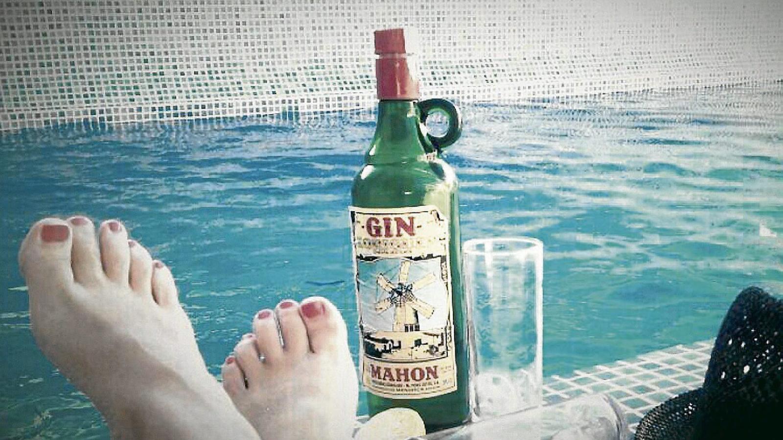 Ha arribat l'estiu Beguda recomanada Pomada o gin amb llimonada amb Xoriguer
