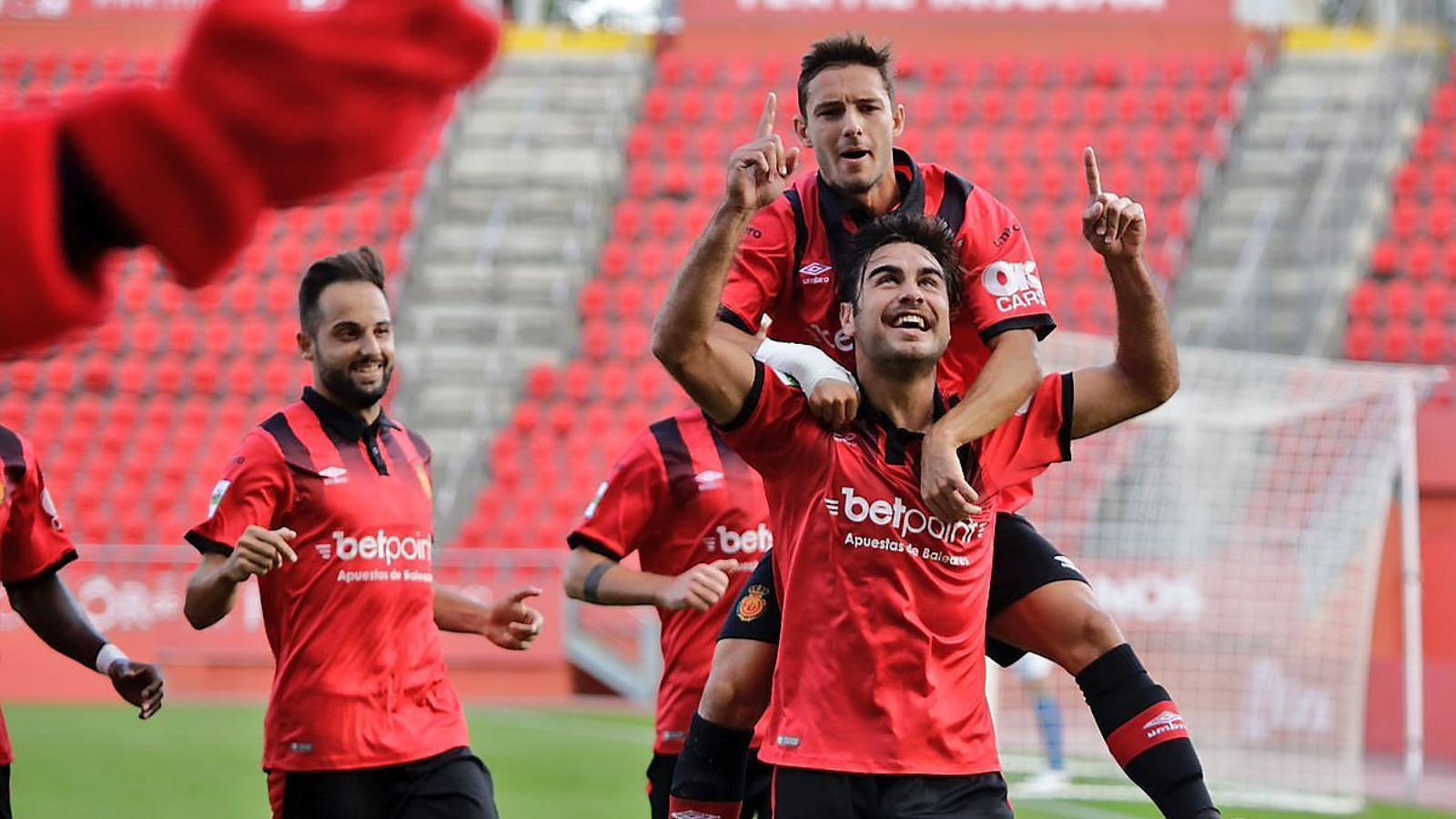 El Mallorca i l'Atlètic Balears juguen un derbi històric a Son Moix