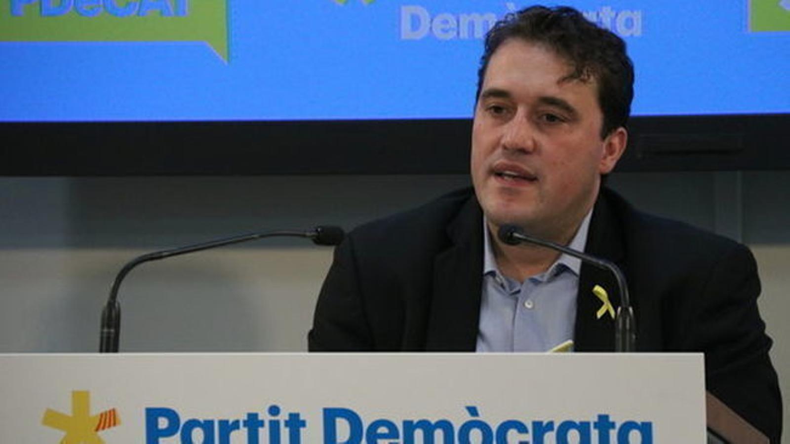 El PDECat avisa que anirà a les eleccions hi hagi o no acord amb Puigdemont
