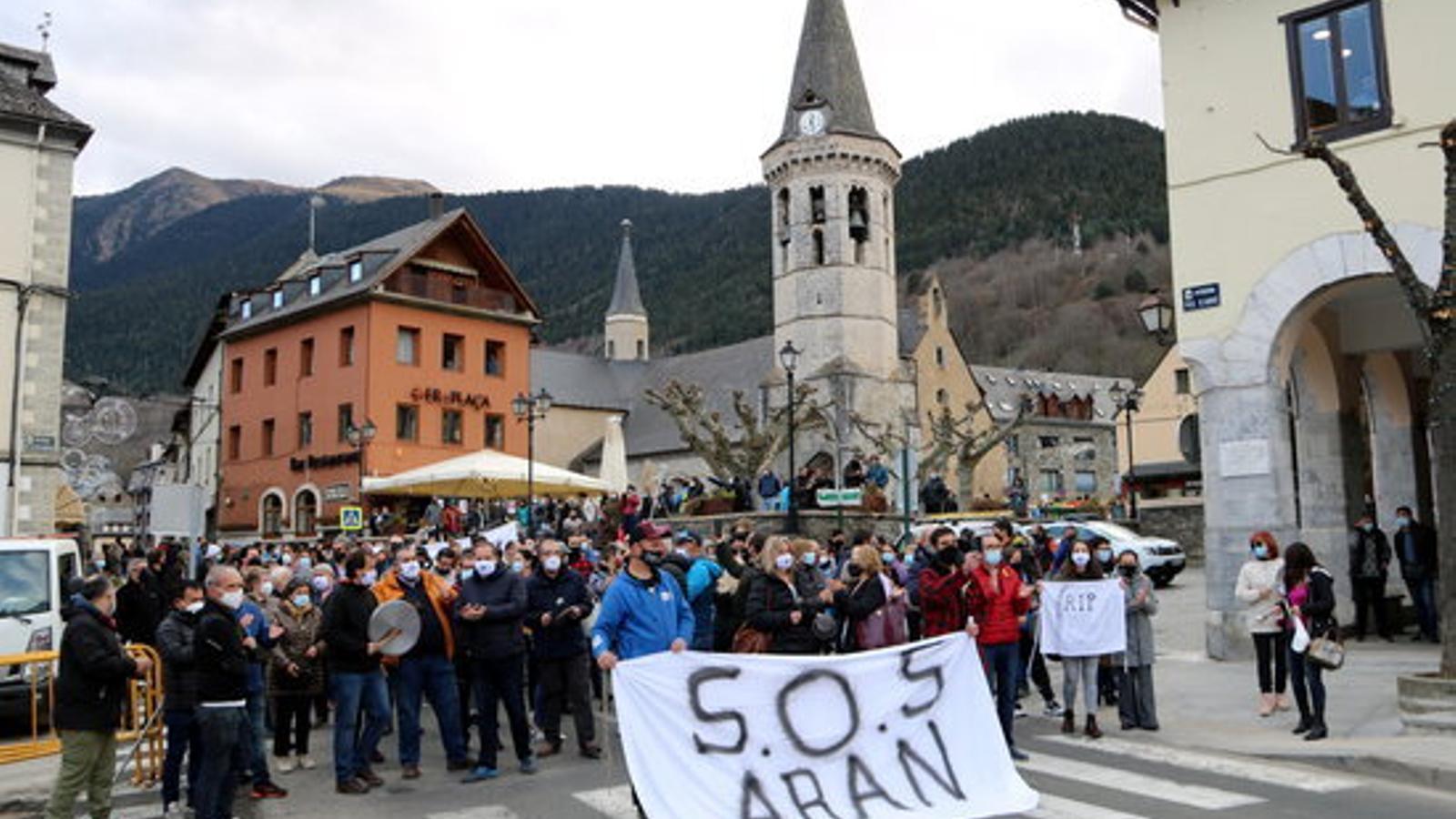 Un moment de la manifestació a Vielha. / ACN