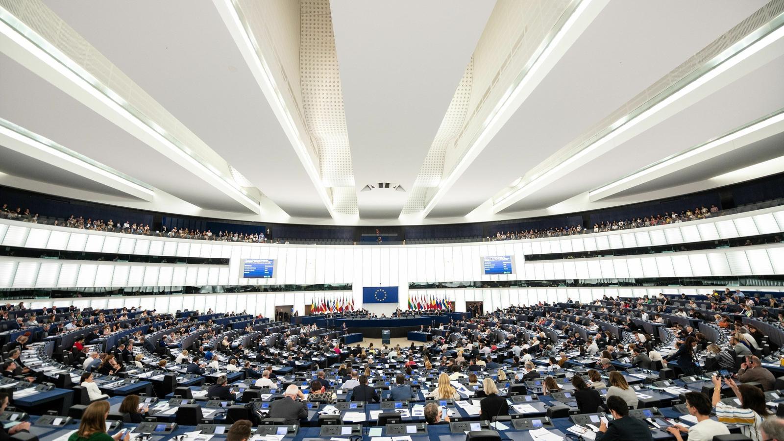El Parlament Europeu carrega contra el repartiment de càrrecs pactat pels estats