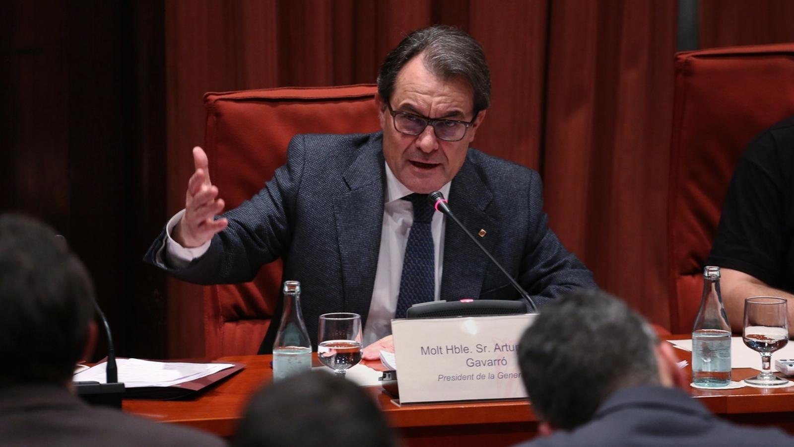 EN DIRECTE: Artur Mas compareix al Parlament pel finançament de CDC