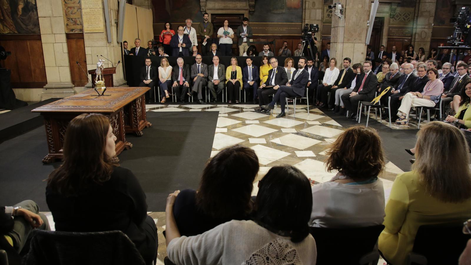 Els consellers faran dimarts el traspàs de carteres amb presos i exiliats