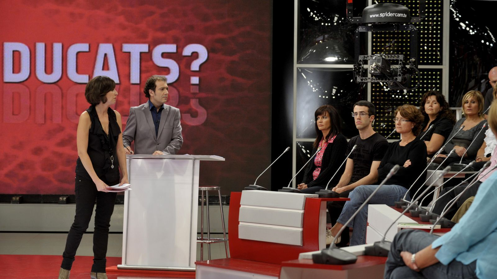 TV3 reivindica el seu servei públic davant l'ofensiva dels privats
