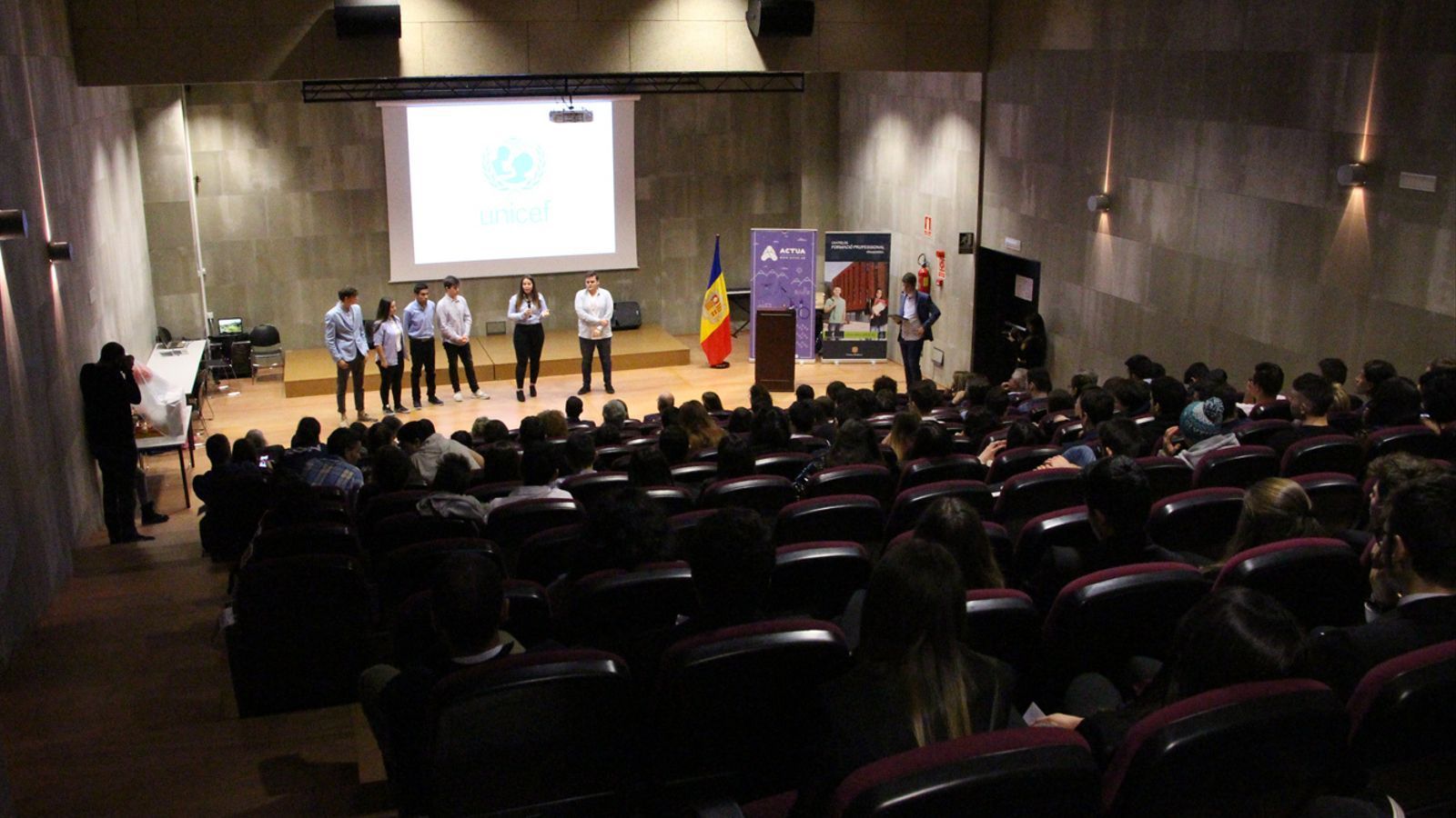 L'equip d'Unicef durant la seva presentació. / M. P. (ANA)