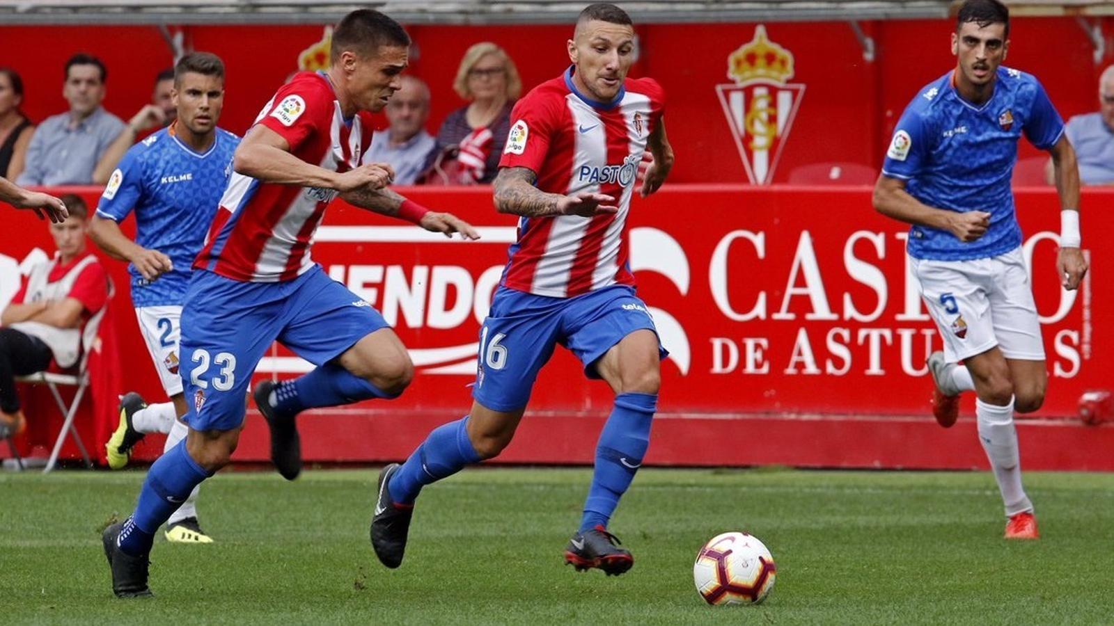 Imatge del partit entre l'Sporting de Gijón i el Reus