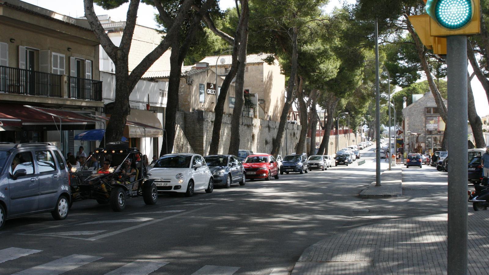 La zona de Costa i Llobera, el tram urbà de la carretera Palma-Cala Rajada, és la que pateix més saturació de trànsit.
