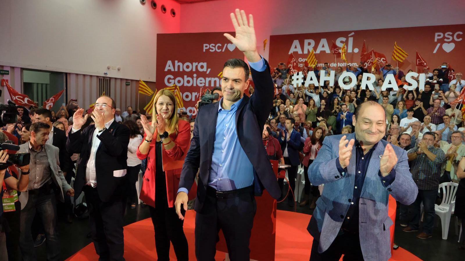 """Sánchez s'erigeix com el candidat de la Catalunya """"oblidada"""" pel Govern i assimila l'independentisme a la ultradreta"""
