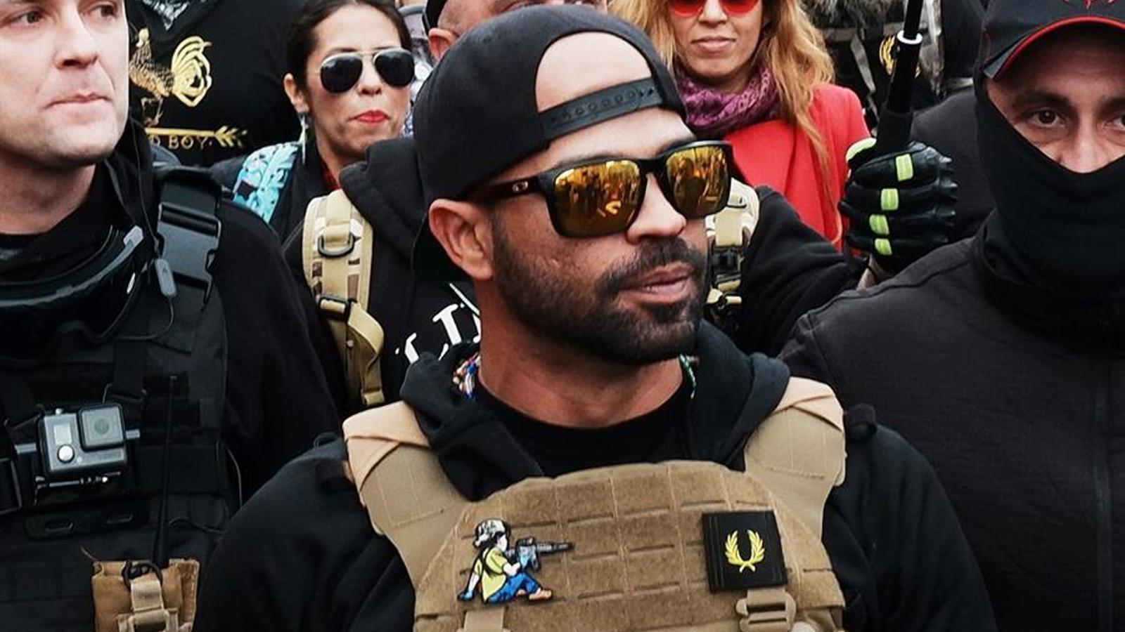 Enrique Tarrio, líder dels Proud Boys, a la manifestació del 12 de desembre a Washington