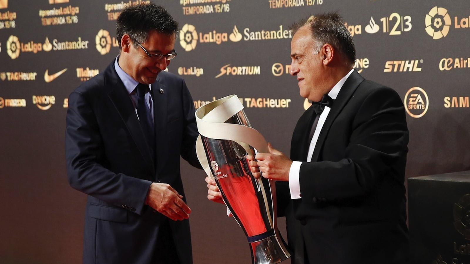Josep Maria Bartomeu i Javier Tebas, durant la gala d'entrega dels premis de La Lliga