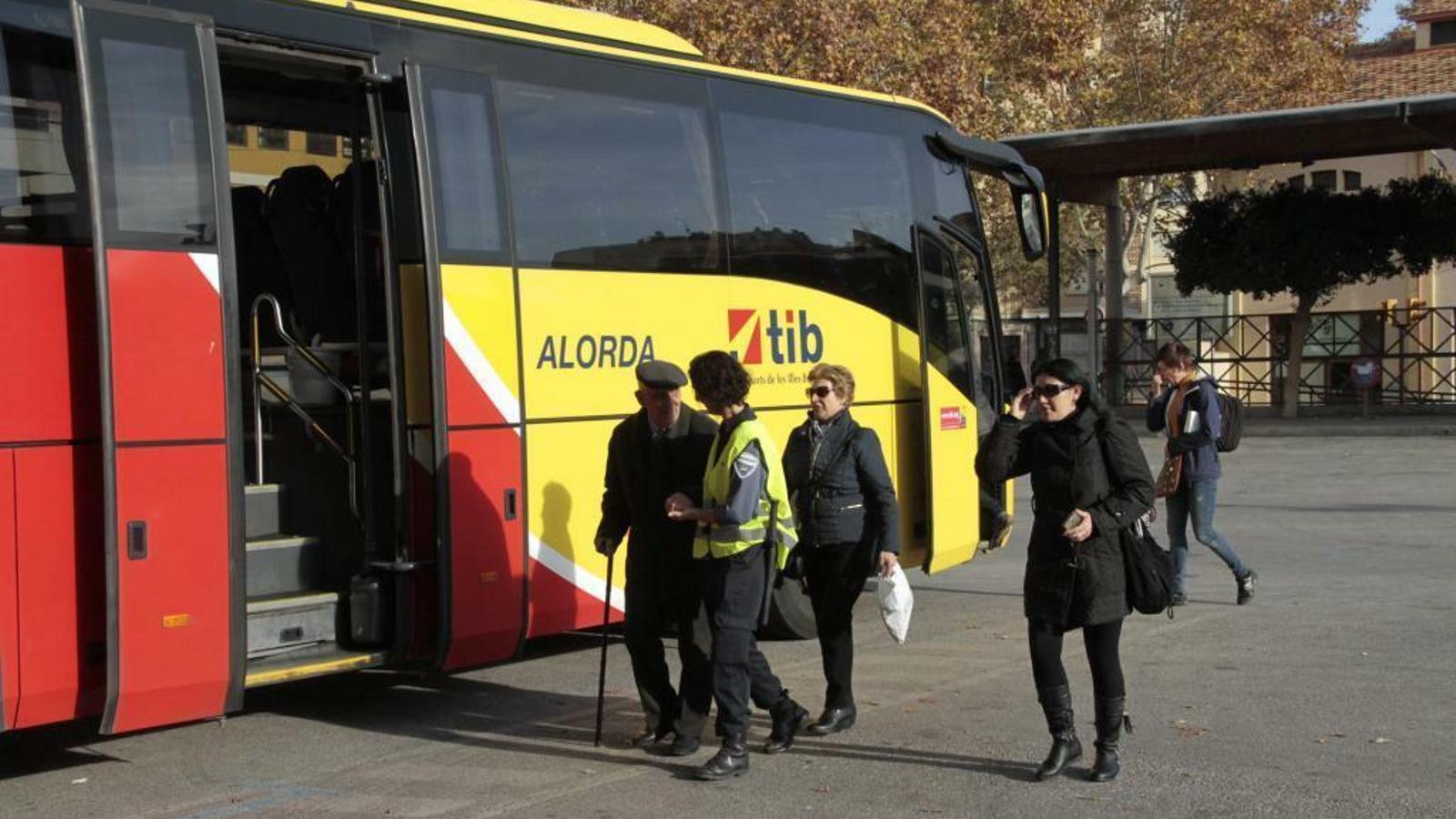 Transabús perd la concessió d'autobusos de Llevant, Migjorn i Ponent per una baixa temerària
