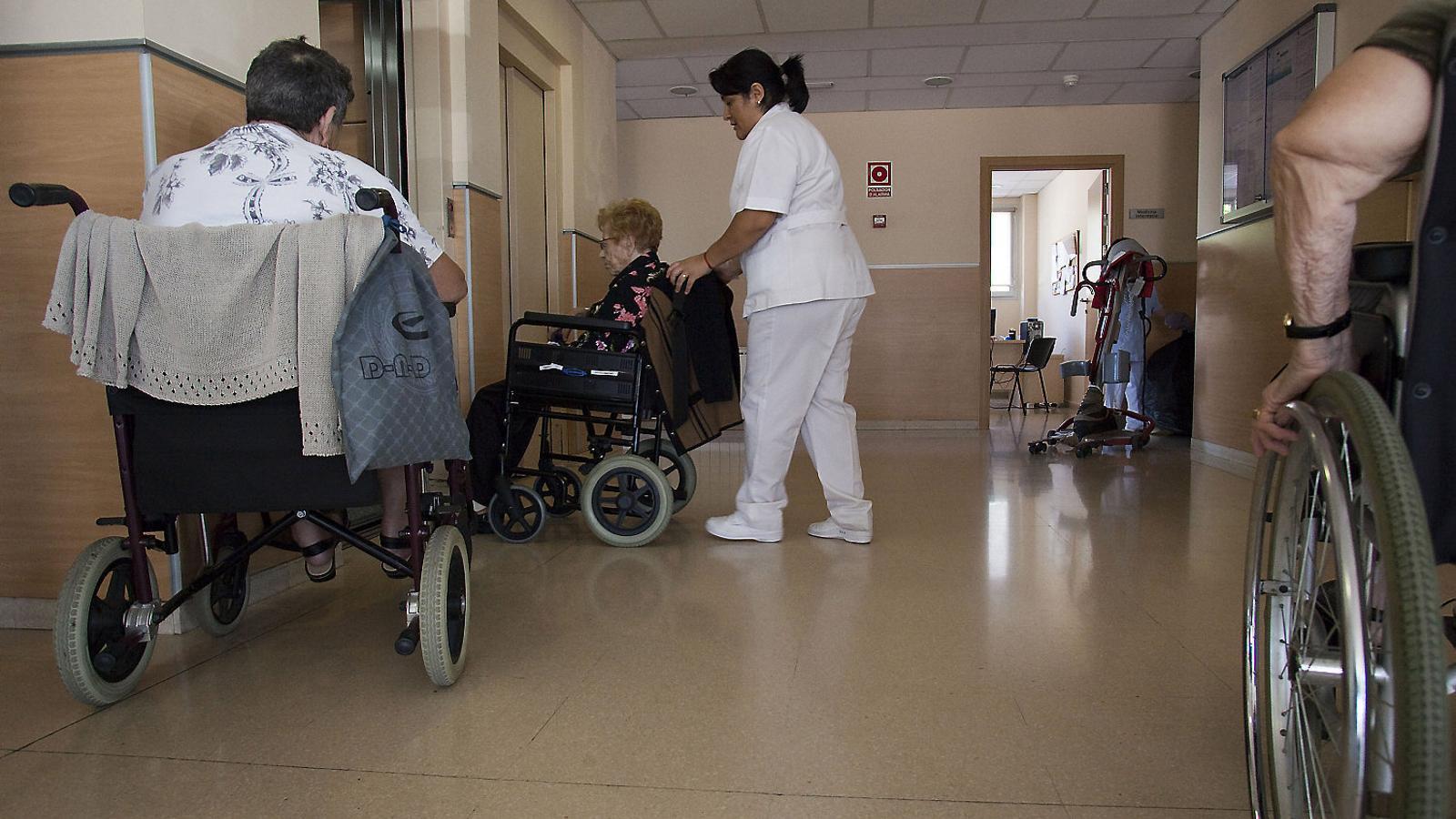 Un 60% de les residències suspenen l'actuació de l'administració durant la pandèmia