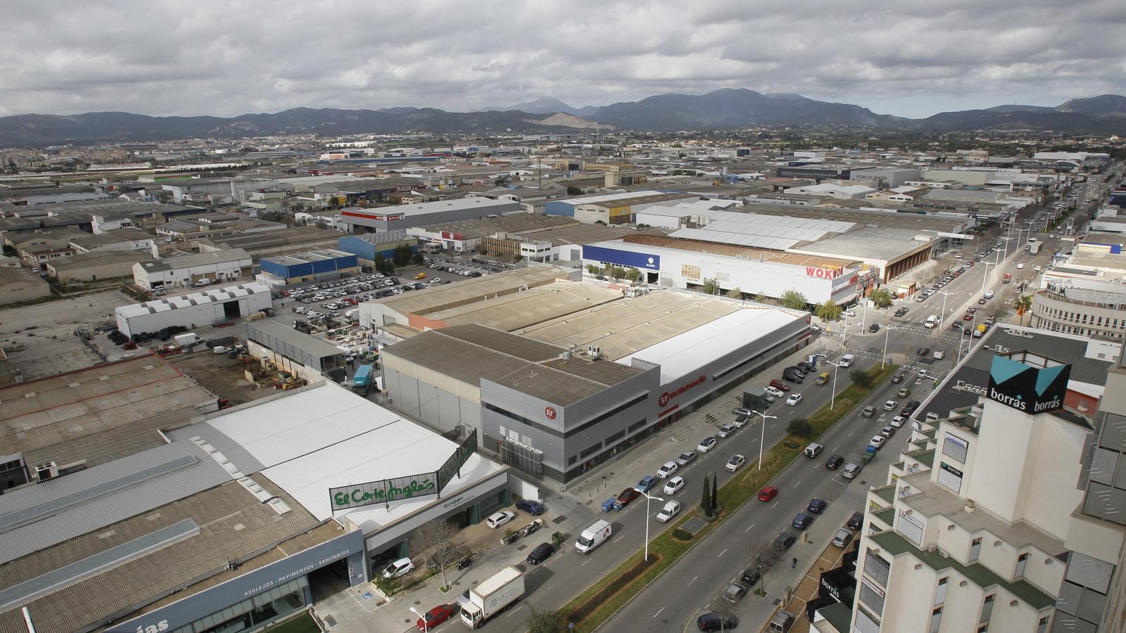 S'enfonsa el sector industrial de les Illes