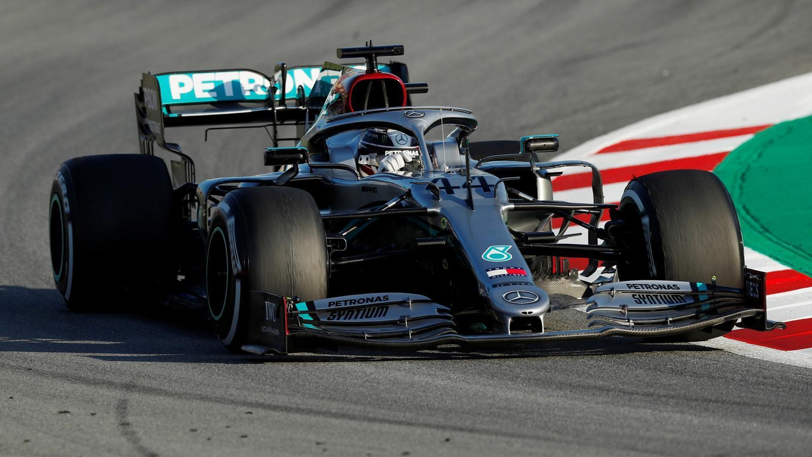 Lewis Hamilton durant la sessió a Montmeló