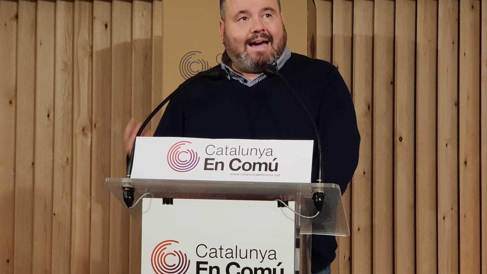 El portaveu de Catalunya en Comú, Joan Mena, en roda de premsa