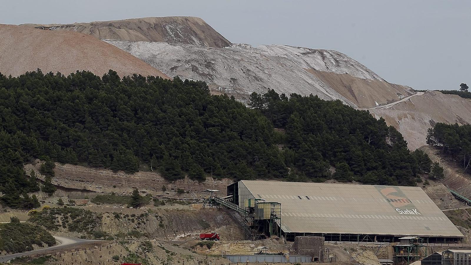 Iberpotash, que explota les mines de potassa del Bages, haurà de restaurar el medi ambient i netejar els pous contaminats a Súria, Callús, Santpedor i Sallent.