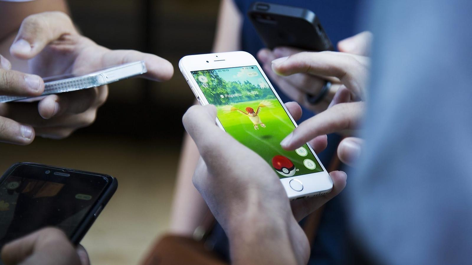 Pokémon Go, per jugar en família / FRANCESC MELCION