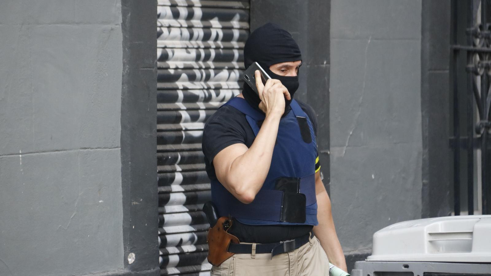 Un dels agents