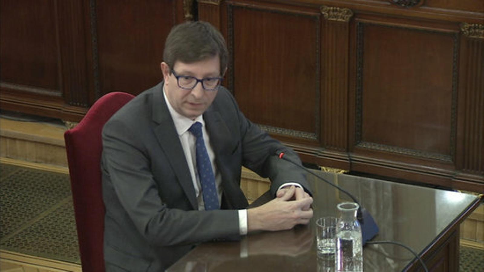 L'exconseller de Justícia Carles Mundó, durant el seu interrogatori al judici del Procés