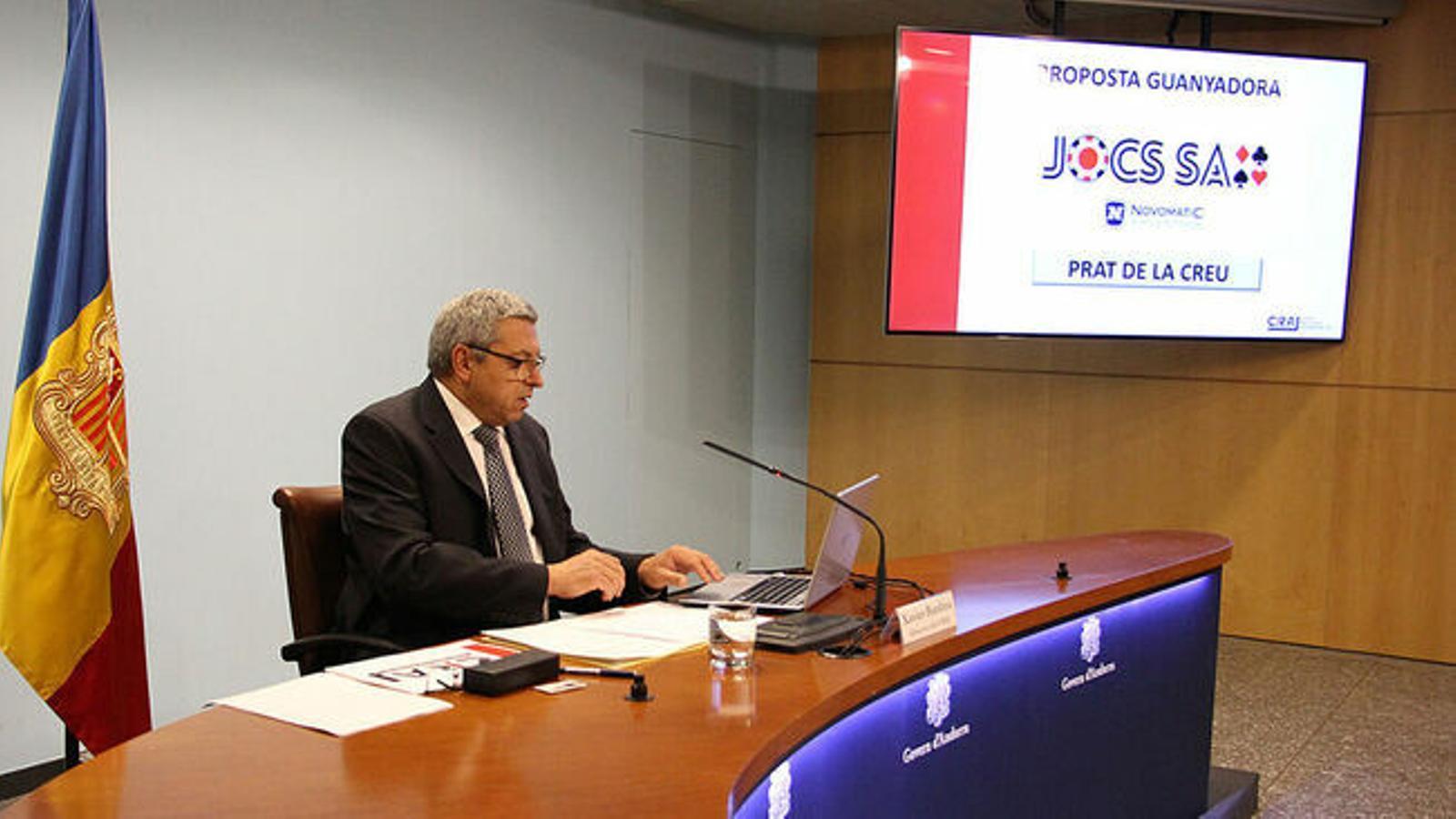 El director del CRAJ, Xavier Bardina, el dia que es va proclamar Jocs guanyador del concurs del casino. / ARXIU