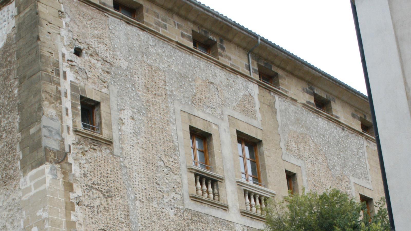 Façana de l'Ajuntament de Pollença.