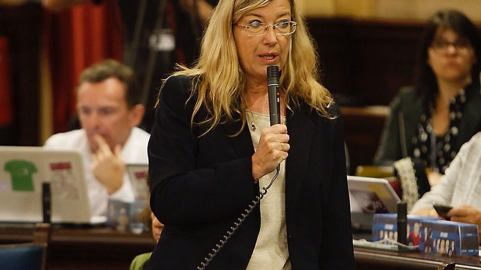 """Patricia Gómez lamenta que el Ministeri no hagi convocat la Comissió Interterritorial i ara critiqui l'absència dels consellers socialistes a la Conferència Mèdica quan és una reunió """"més tècnica""""."""