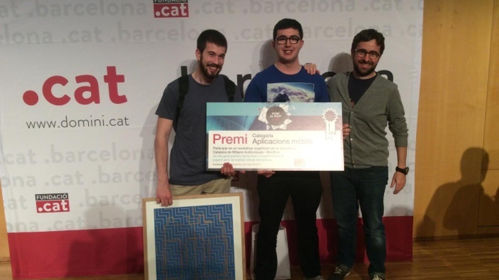 Tres estudiants de Teknós de la UVic-UCC recullen el premi a la millor aplicació mòbil