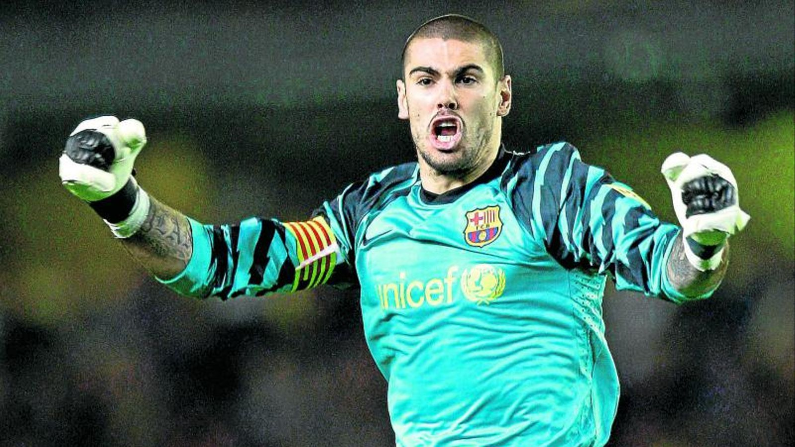 L'heroi del madrigal Víctor Valdés va ser clau amb les seves aturades. Guardiola  el va lloar.