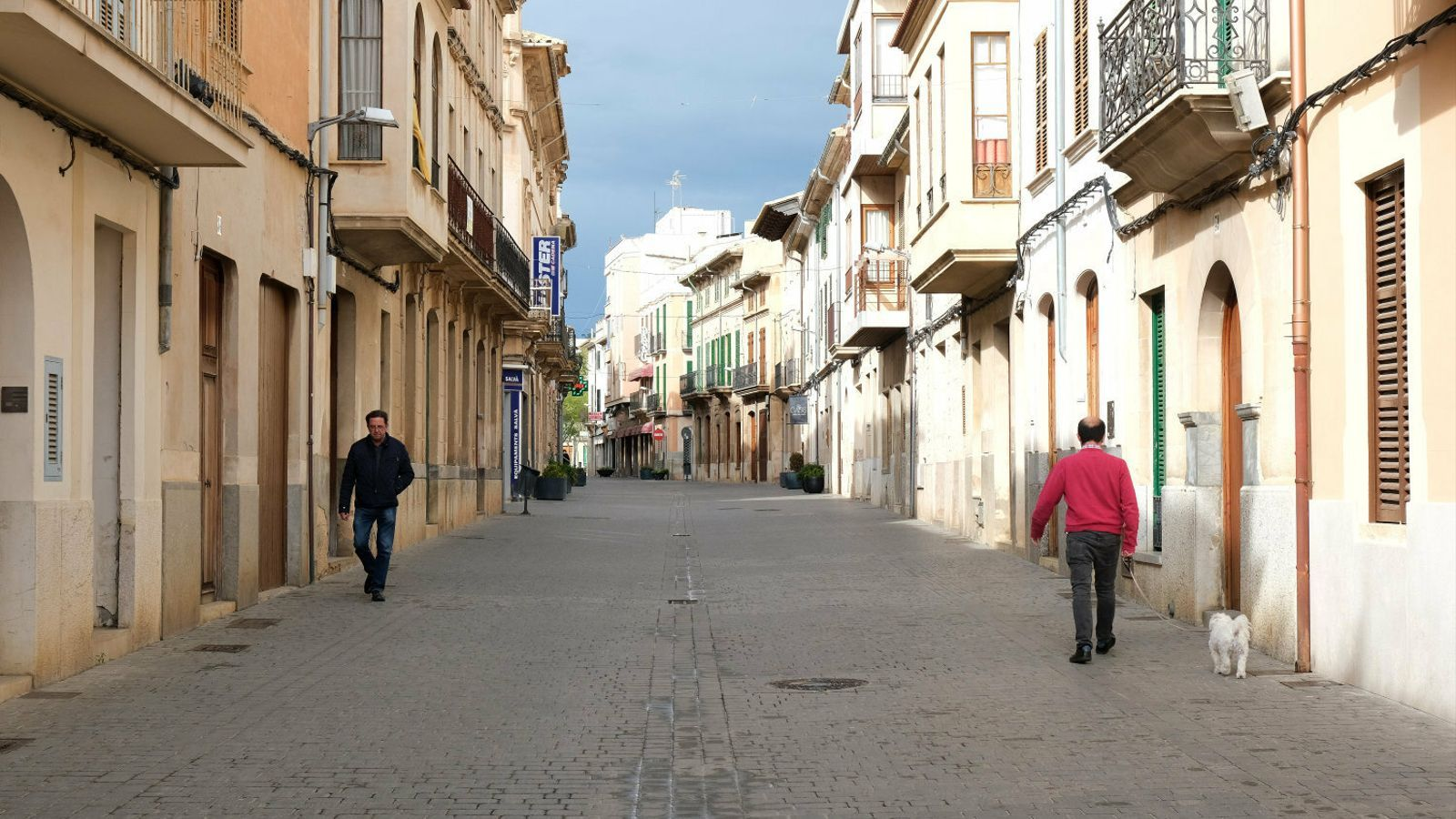 Què hi fa, vostè, al carrer? un confinament de poble (2)