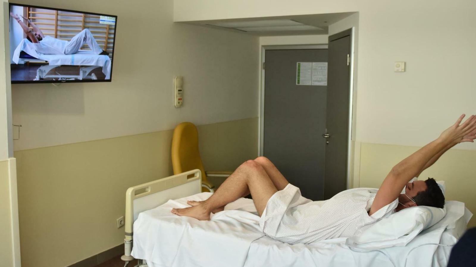 Son Llàtzer crea un programa de rehabilitació per a pacients amb coronavirus a través dels televisors