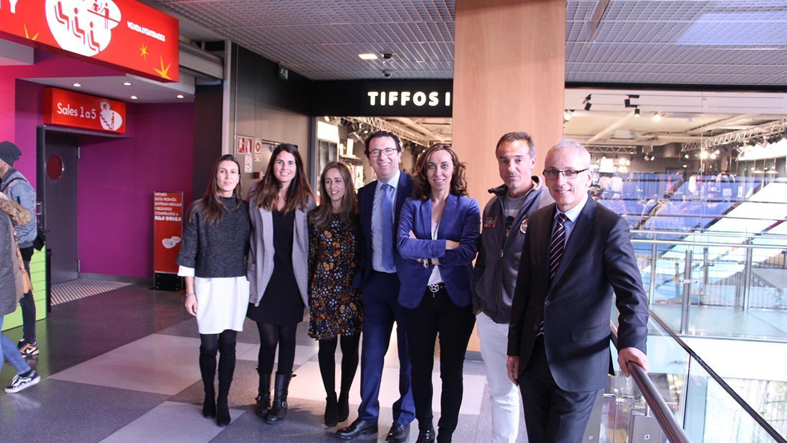 Part de l'equip d'Andorra Turisme amb el ministre, Francesc Camp, el gerent d'Andorra Turisme, Betim Budzaku i el realitzador de l'espot, Camil Roca, després de la presentació de la campanya d'hivern.