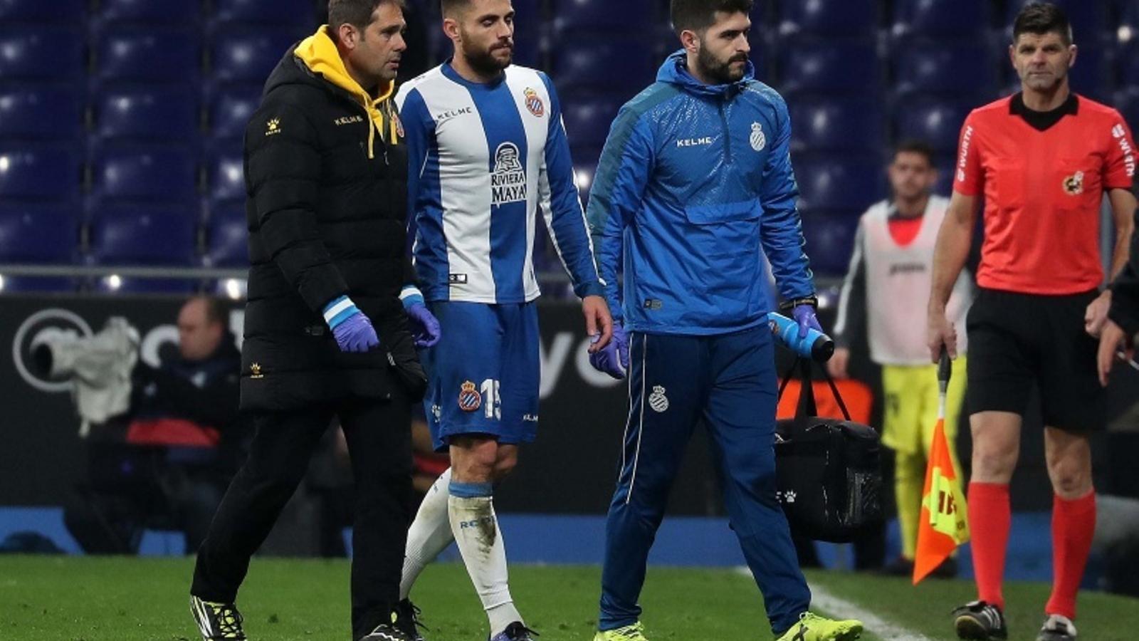 David López es va retirar lesionat del partit contra el Vila-real