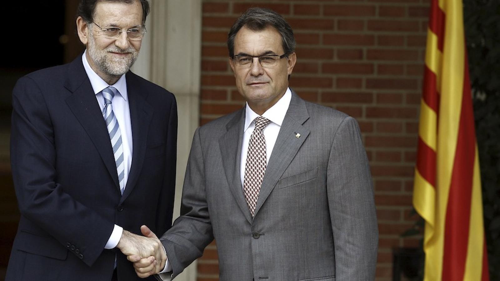 Rajoy rep Mas a la Moncloa sense baixar ni un esglaó